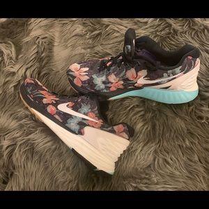 Floral Nike's | Men's size 8